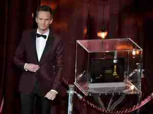 2D274907874149-today-nph-oscar-box-150222.blocks_desktop_large